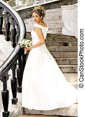 gyönyörű, menyasszony, alatt, white ruha
