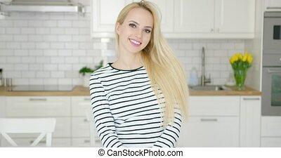 gyönyörű, mosolyog lány, külső külső fényképezőgép