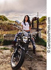 gyönyörű, motorkerékpár, barna nő, nő, noha, egy,...