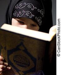 gyönyörű, muzulmán, lány olvas, menedékhely beír, korán