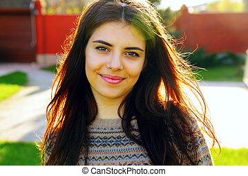 gyönyörű, portré, mosolyog woman, fiatal