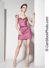 gyönyörű, rózsaszínű, barna nő, fiatal, white ruha