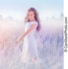 gyönyörű, romantikus, tizenéves, formál, leány, élvez, természet