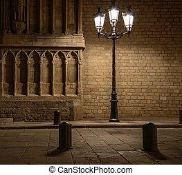 gyönyörű, streetlight, előtt, öreg épület, alatt, barcelona