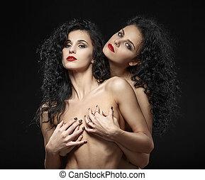 Meztelen leszbikus fényképezés