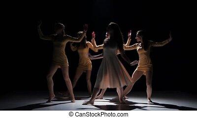 gyönyörű, tánc, modern, lány, kortárs, táncol, öt, fekete, ...