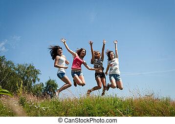 gyönyörű, tizenéves lány, négy, ugrás, barátok, boldog