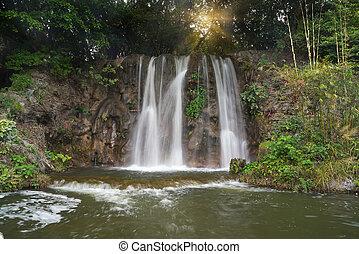gyönyörű, vízesés