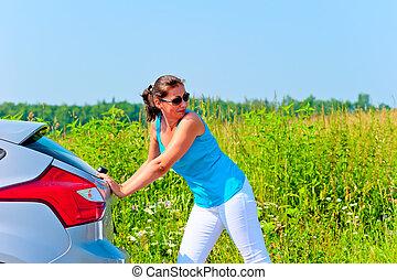 gyönyörű woman, autó, rámenős, fiatal, törött, út