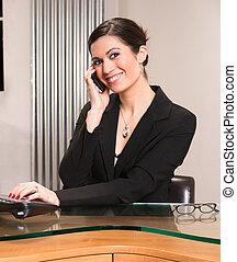 gyönyörű woman, bájos, üzletember, hivatal asztal, megfelelő