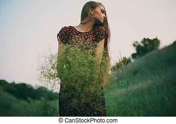 gyönyörű woman, csokor, fiatal, vad virág