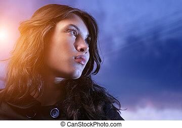 gyönyörű woman, feláll, látszó, ázsiai, félhomály