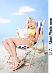 gyönyörű woman, fiatal, bikini, könyv, felolvasás