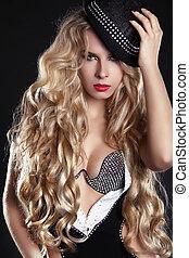 gyönyörű woman, hosszú szőr, ajkak, szőke, hat., piros