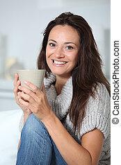gyönyörű woman, ital, csípős, closeup, otthon