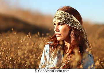 gyönyörű woman, képben látható, egy, mező, alatt, summertime idő