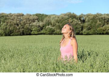 gyönyörű woman, kaszáló, lélegzés, zöld, kényelmes, boldog
