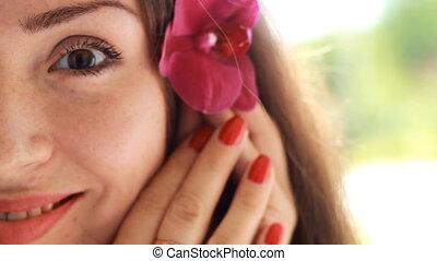 gyönyörű woman, kezezés., fiatal, virág, orhidea