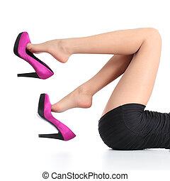 gyönyörű woman, lógó, fukszia, magas sarkú cipő, combok