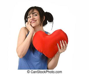 gyönyörű woman, mosolyog vidám, érzés, szerelemben, birtok, piros szív, alakít, vánkos