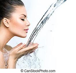 gyönyörű woman, neki, víz, loccsan, kézbesít