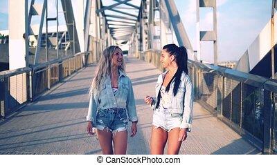 gyalogló, beszéd, lánytestvér, barátok, vagy, legjobb,...