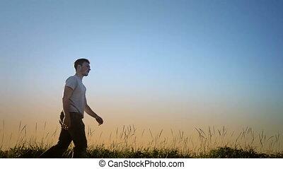 gyalogló, fújás, fű, silhou, ember
