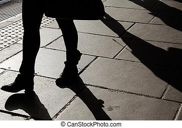 gyalogló, nő, árnykép, óra, abbahagy, rohanás, csizma, aluljáró, combok