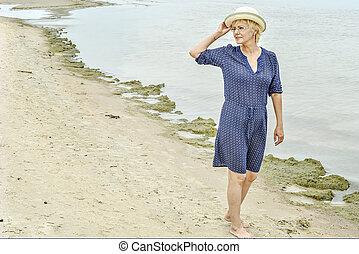 gyalogló, nő, tenger, boldog