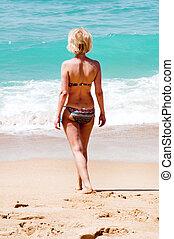 gyalogló, nő, tenger