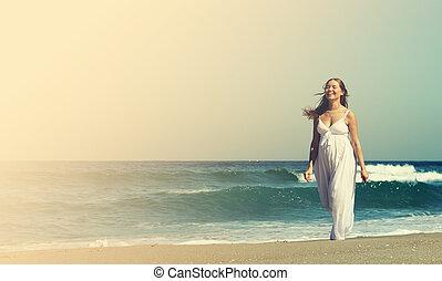 gyalogló, nő, tengerpart, fiatal, terhes