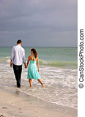 gyalogló, szerelmes pár, florida, kéz, mentén, tengerpart