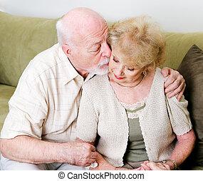 gyengéd, vigasztal, férj, feleség