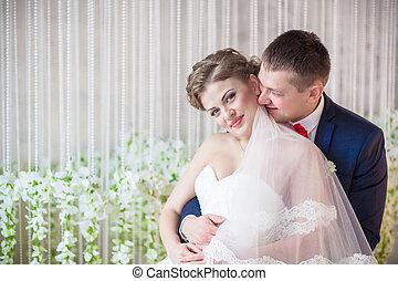 gyengédség, átkarolások, esküvő