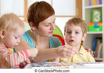 gyerekek, noha, tanár, festmény, alatt, playschool