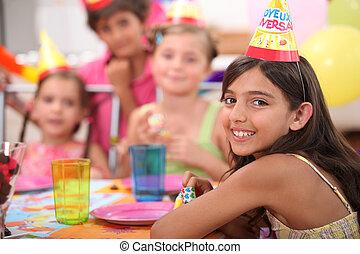 gyermekek, születésnapi parti