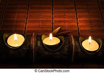 gyertya, bambusz, szőnyeg