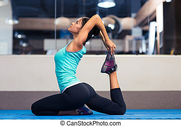 Gym, vrouw,  Stretching