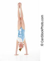 gymnaste, jeune, studio, femme, portrait, handstand