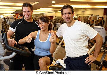 gymnastiksal, cyklar, vänner, tre, övning