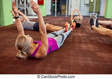 gymnastiksal, grupp, exercerande, folk