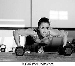 gymnastiksal, kvinna, push-up, styrka, pushup, med, hantel