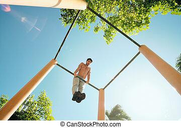 gymnastique suédoise, formation, muscles, séance entraînement, poitrine, adulte, dehors, homme
