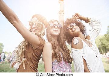 három, jó friends, -ban, a, zene, fesztivál