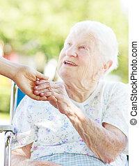 házfelügyelő, senior woman, hatalom kezezés