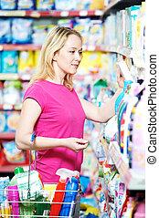 háztartás, woman bevásárol, kémia