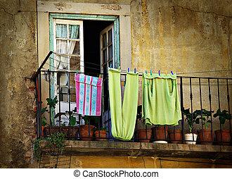 hängda, kläder
