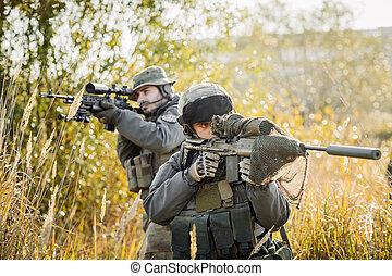 här, skogvaktare, patroling, på, a, slagfält