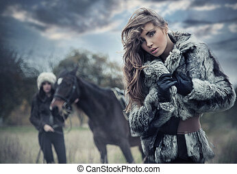 häst, romantisk, modellen, två, framställ, kvinnlig