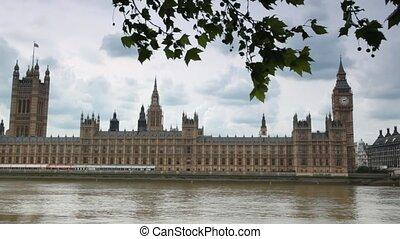 häuser parlaments, und, big ben, hinten, themse fluß